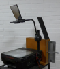 Overhead projector with polarizing plates
